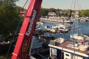 Boot Service Berlin: Luxus Haus-Boot aus dem Wasser heben